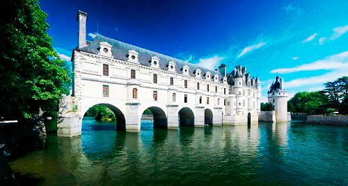 Замок Шенонсо- вид з річки Шер