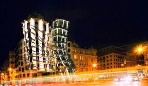 Прага - місто танцюючих будинків і співаючих фонтанів