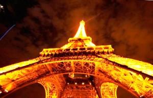 Ейфелева вежа різдво в Парижі