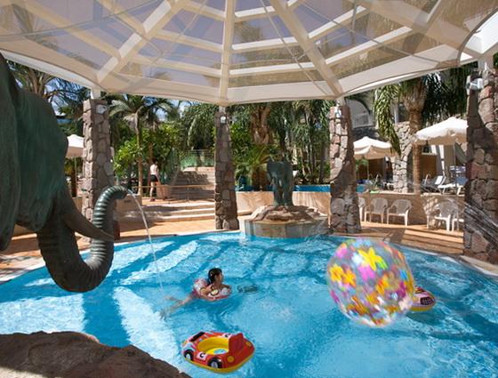 Дитячий басейн готелю Isrotel Agamim