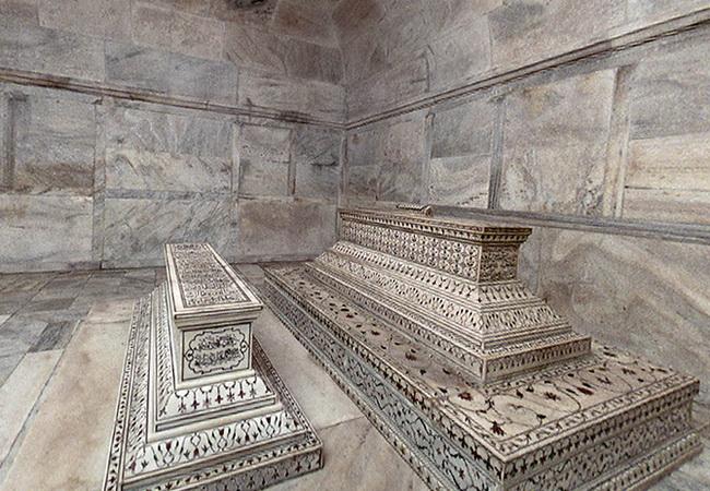 Гробниці Тадж Махалу
