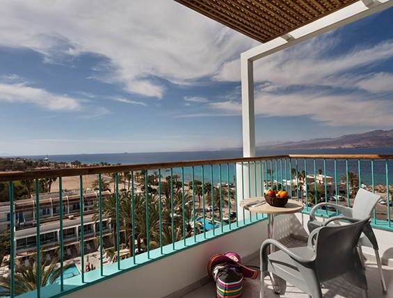 Стандартна кімната з видом на басейн готелю Isrotel Yam Suf