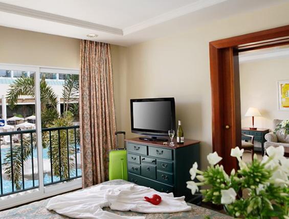 Номер Deluxe готелю Isrotel Yam Suf
