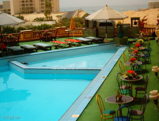 басейн готелю Les Rois