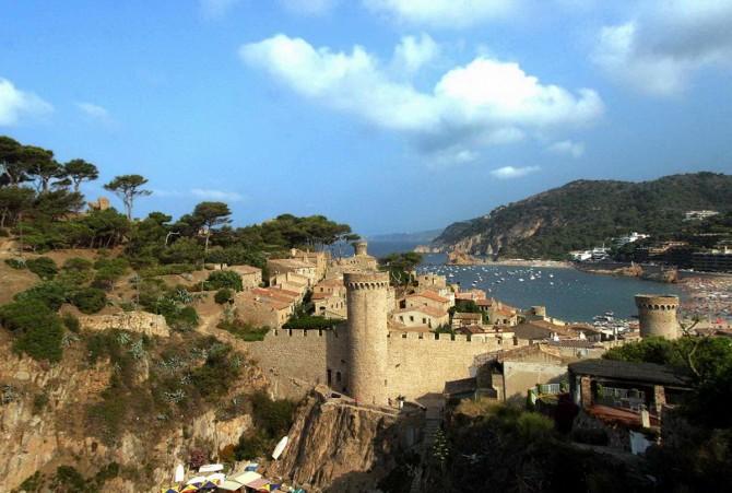 фортеця Віла-Велья в місті Тосса-де-Мар
