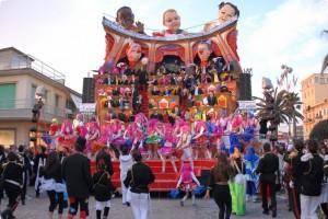 Великий італійський карнавал пройде в Тоскані
