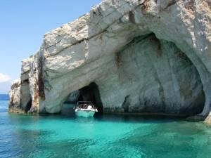 Все більше островів Греції можна буде відвідати без віз