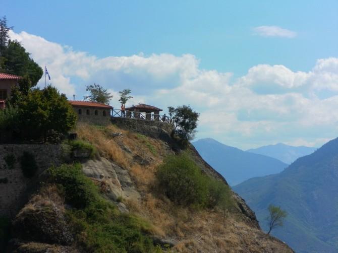 тераса навколо храмів Метеори