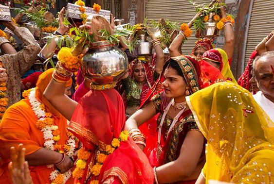 урочистості на індійському весіллі