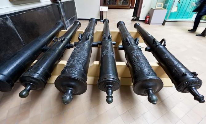 музей армії у Брюсселі
