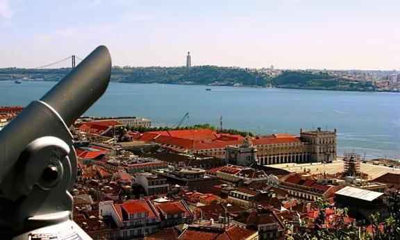 Лісабон. Вид на річку Тежу