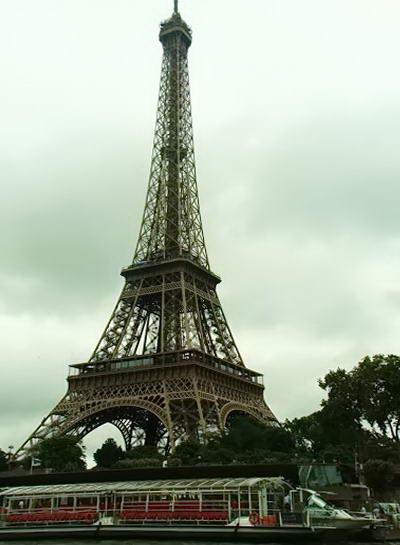 Париж. Ейфелева вежа