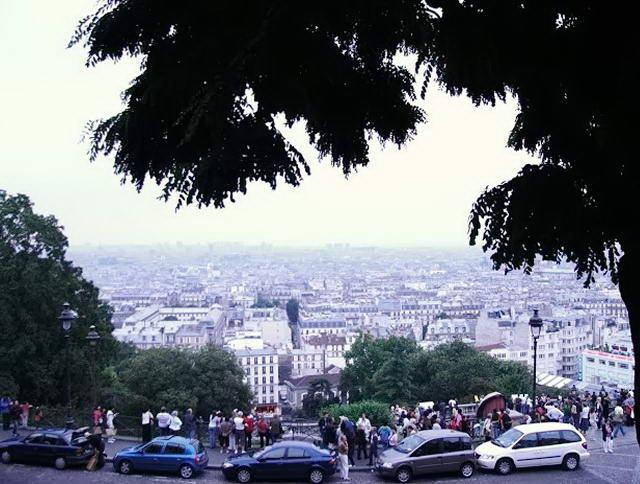 Вид на Париж з оглядового майданчика біля Сакре-Кер