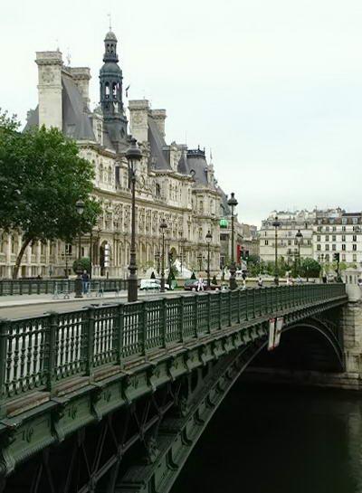 міст над річкою Сена