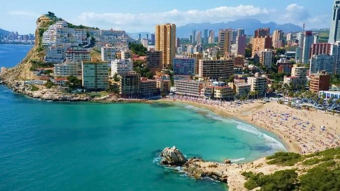 відпочинок на пляжних курортах Іспанії