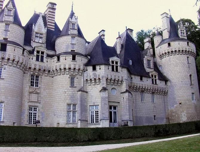замок Юссе
