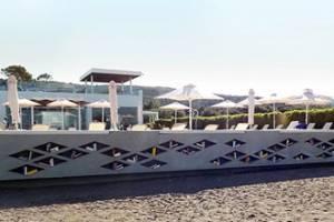 Відкрилася пляжна бібліотека в Греції