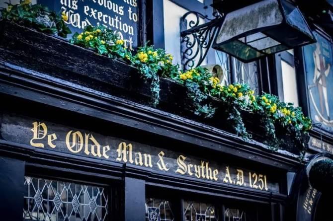 Паб Ye Olde Man and Scythe, Болтон, Англія