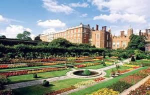 Замок Хемптон Корт (Hampton Court Palace). Замки Англії.