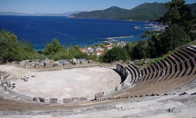 Древній театр в Ліменасі
