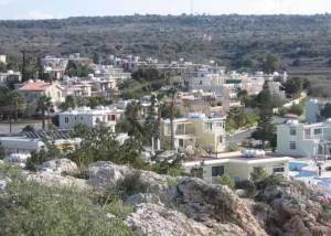 Де на Кіпрі більше пам'яток?