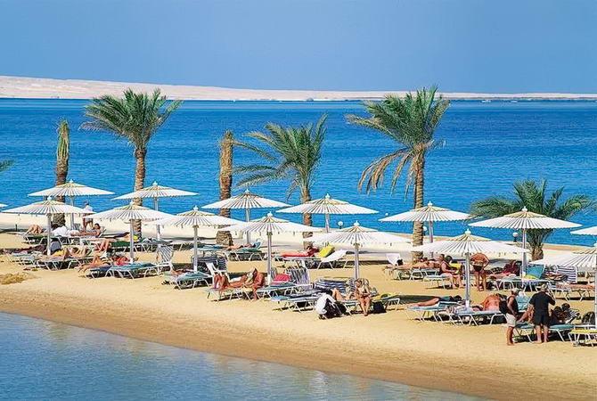 пляж готелю Giftun Azur resort 4