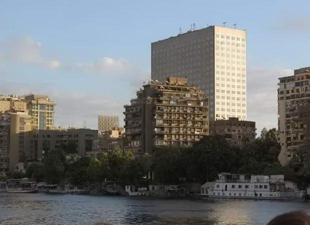 вид з теплохода на Каїр