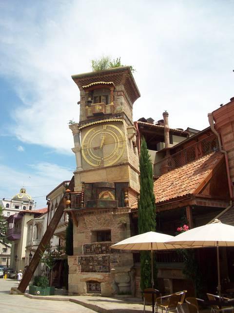 Тбілісі. Вежа з годинником