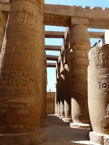 колони храму