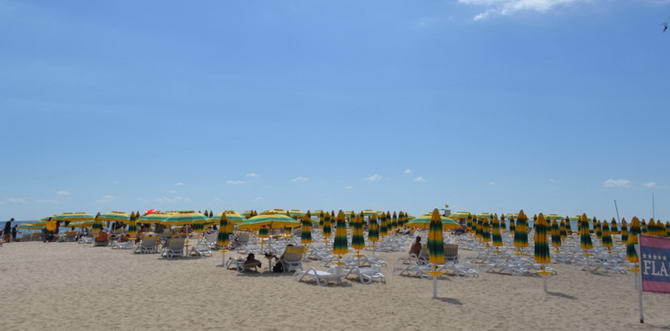 Пляж в Албені