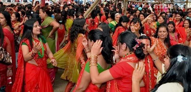 святкування фестивалю Тідж