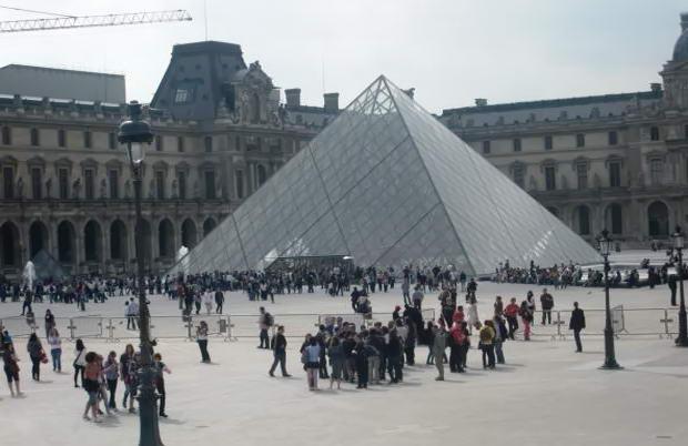 Франция. Фото Лувра