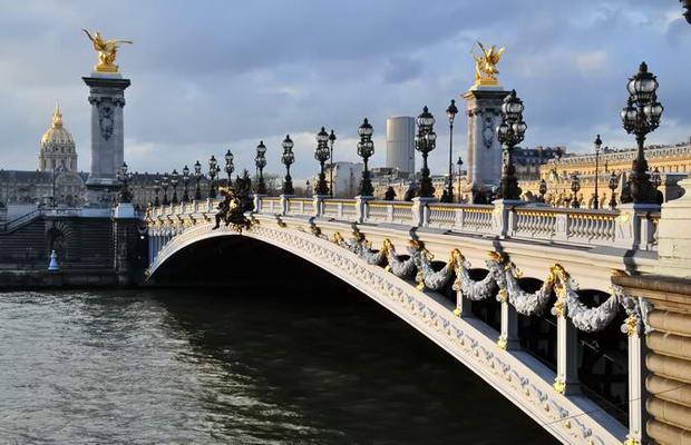 Франция. Фото моста Александра 3