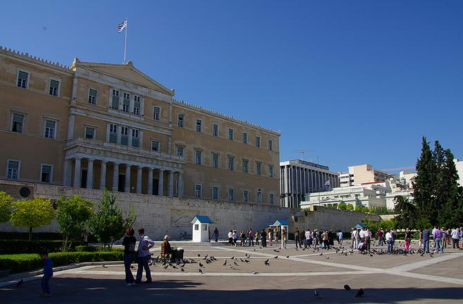 Афіни. На фото площа Конституції