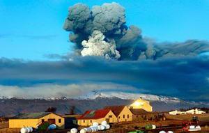 Рятувальники Ісландії евакуювали жителів із зони виверження вулкану