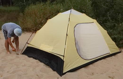 збірка палатки