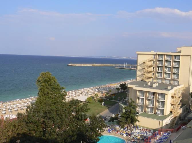 Курорт Золоті Піски. Фото з вікна готелю