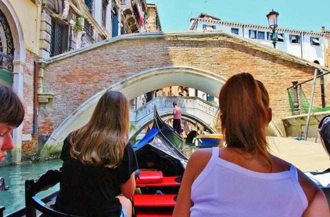 екскурсія на гондолі по Венеції