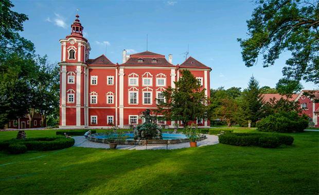 Фото замку Детеніце. Чехія