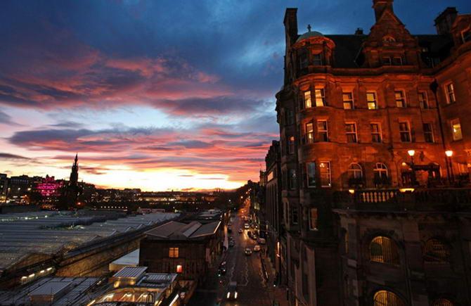 Едінбург. The Scotsman Hotel