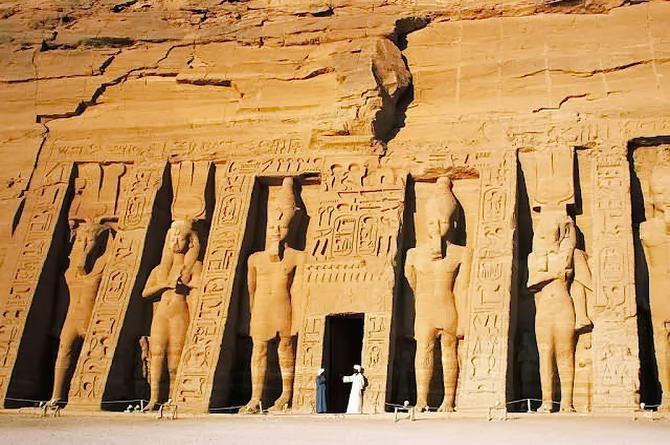Єгипет. Місто Богів