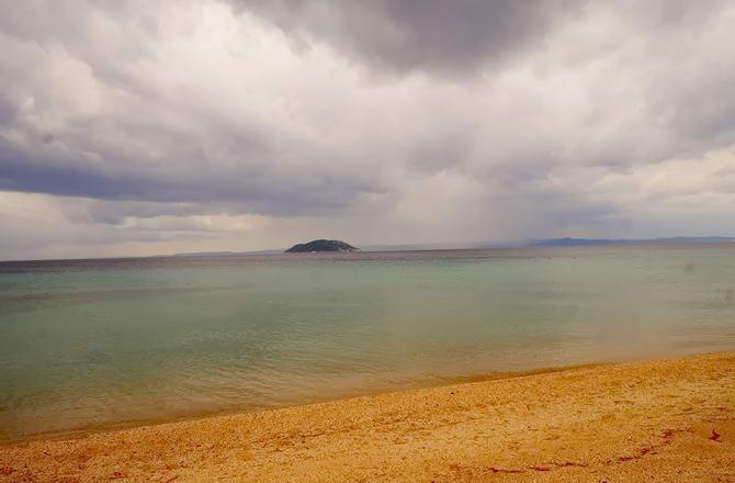 незаселений острів біля Сітонії