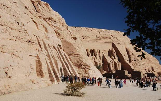 монументальний храм Абу-Сімбел