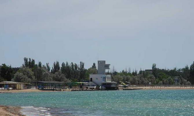 берег возле Евпатории