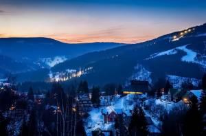 Снігова казка на чеському гірськолижному курорті Шпіндлерув млин