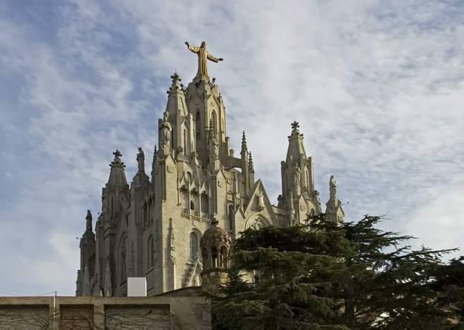 храм Святого серця на горі Тібідабо