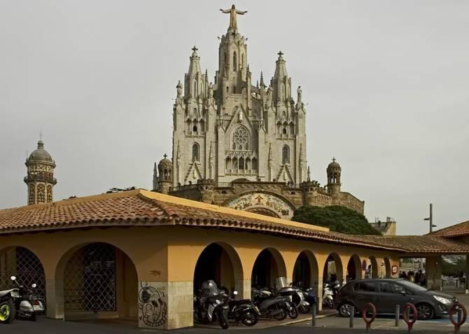 Храм Святого Серця в Барселоні