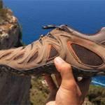 Зручне взуття для подорожей