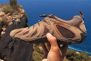 взуття для подорожей