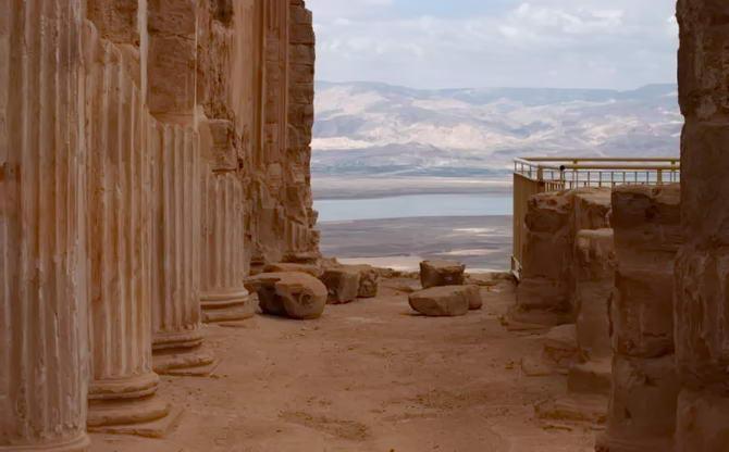 колони фортеці Масада